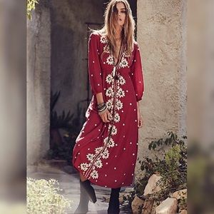 🌺FREE PEOPLE🌺 Embroidered Fable Dress SMALL